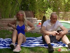 Tow-haired wed Bailey Brooke sucks a dick of her lover plus gets fucked