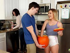Dick with regard to pumpkin cavort on stepsister Aubrey Sinclair