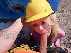 Vlogger Kenzie Reeves needs Lolly