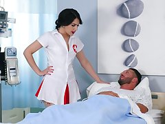 Lucky patient enjoys while kinky nurse Valentina Nappi rides his weasel words
