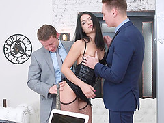 Teen Jessica Lincoln gets raw DP and cum