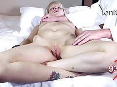 Short haired MILF Dandelion gets will not hear of pussy stroked while sleeping