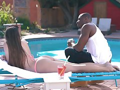 Amazing big sizzle ass owner Gia Derza lures black stud be beneficial to outdoor sex