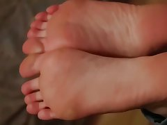 An 18 Year-Old With Dream Wings Footjob Full Video