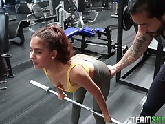Horny sporty Evelyn Suarez gets poked in the parking magnitude after the gym