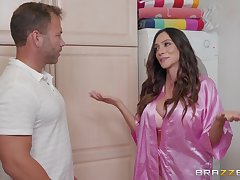 Ariella Ferrera loves presently her lover cum on her tits after good sex