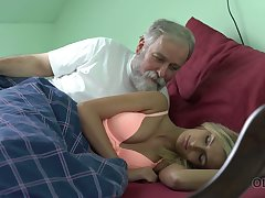 Old dude licks with the addition of fucks pussy of charming kept unfocused Jenny Smart